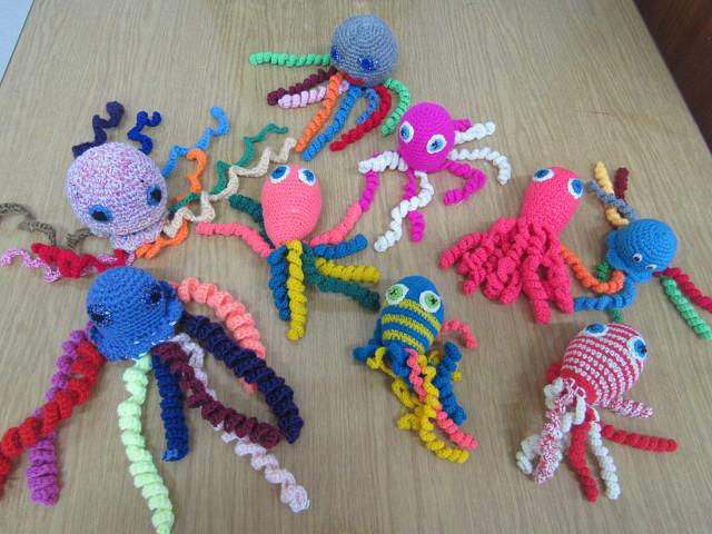 В Ульяновске вяжут осьминожек для недоношенных детей