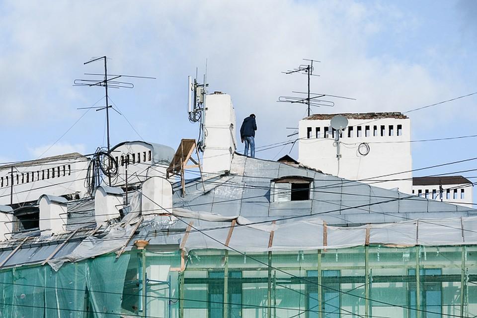 В Петербурге начнут штрафовать организаторов экскурсий по крышам