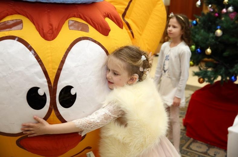 В Петербурге состоится новогодний бал для детей с нарушениями слуха