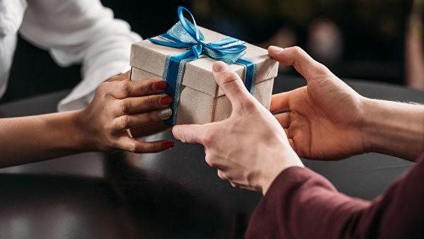 Ограничения в подарках не коснутся врачей и учителей
