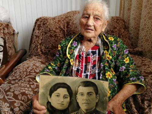 На Кубани выяснят, почему у 103-летней вдовы ветерана нет жилья