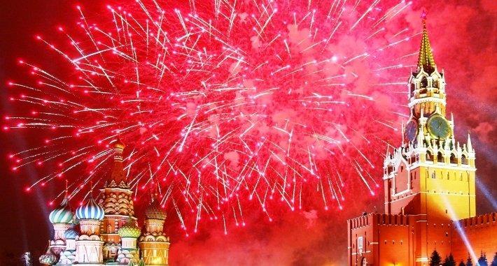 Россияне потратили на встречу Нового года в среднем 14 тыс.