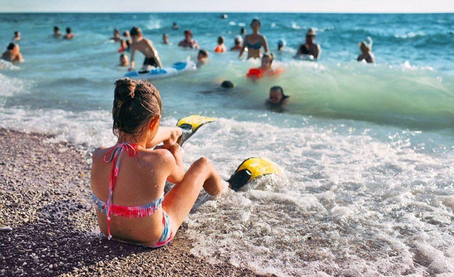 Правительство оплатит отдых на море детям из многодетных и неполных семей