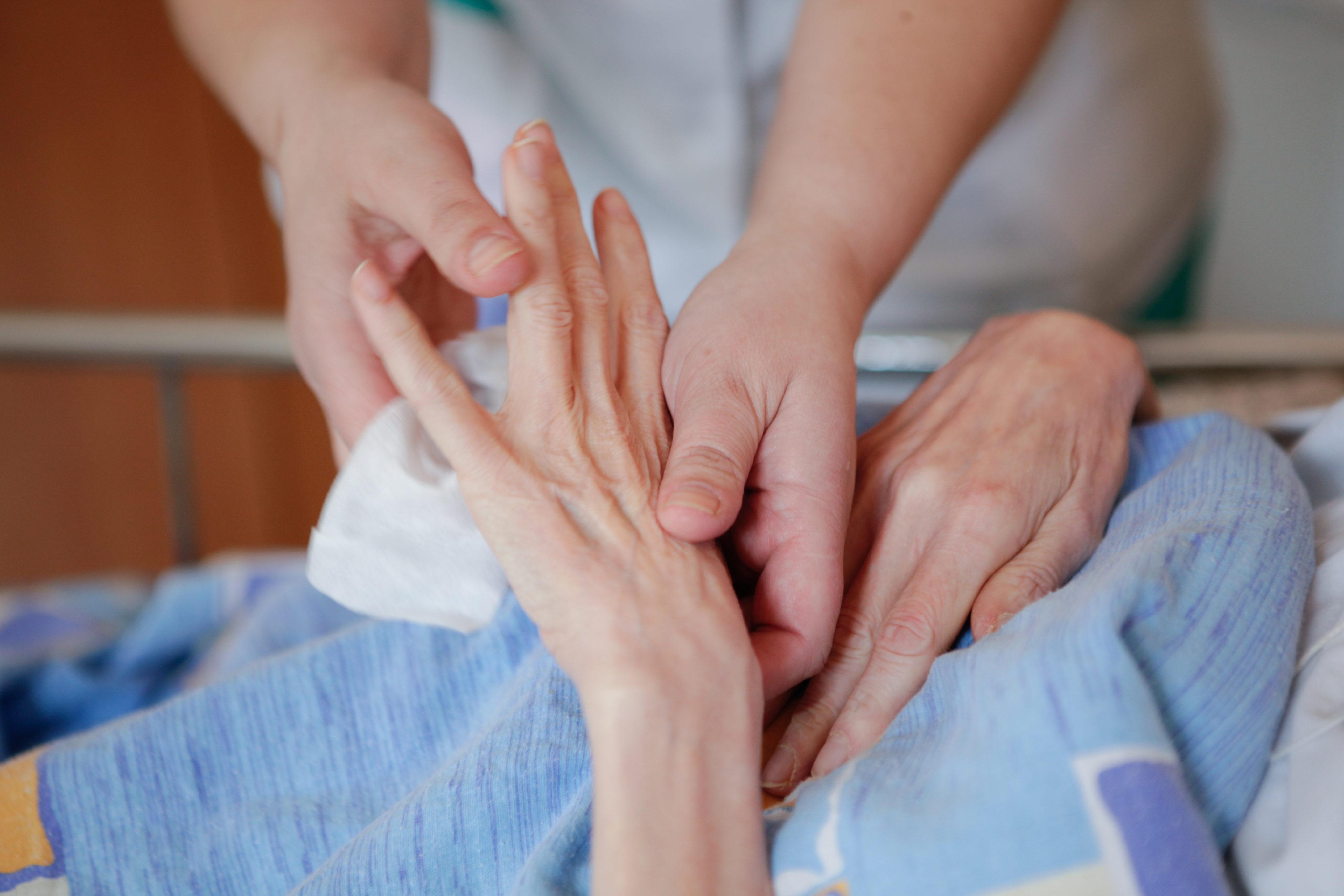 Сокращён срок обеспечения средствами реабилитации для паллиативных пациентов