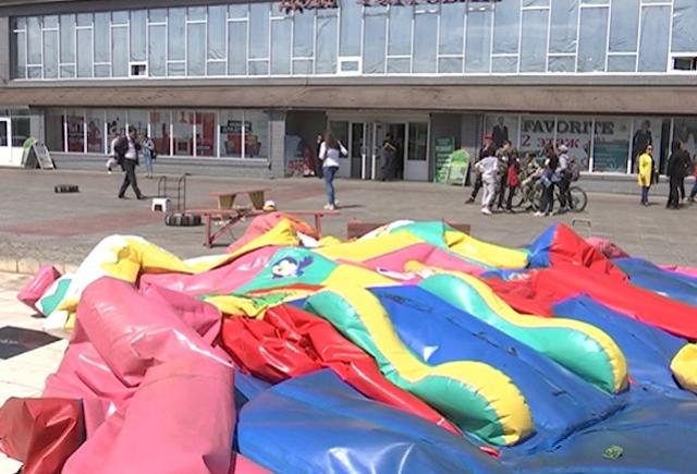 Семьям пострадавших на батуте детей власти Бурятии выделили по 400 тыс. рублей