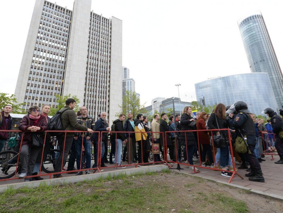 Ситуацию вокруг строительства храма в Екатеринбурге нужно решать в правовом поле — эксперт