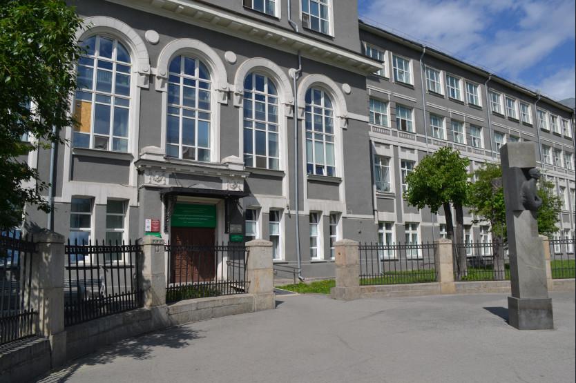 Детская больница Новосибирска получила новую лабораторию при поддержке фонда президента