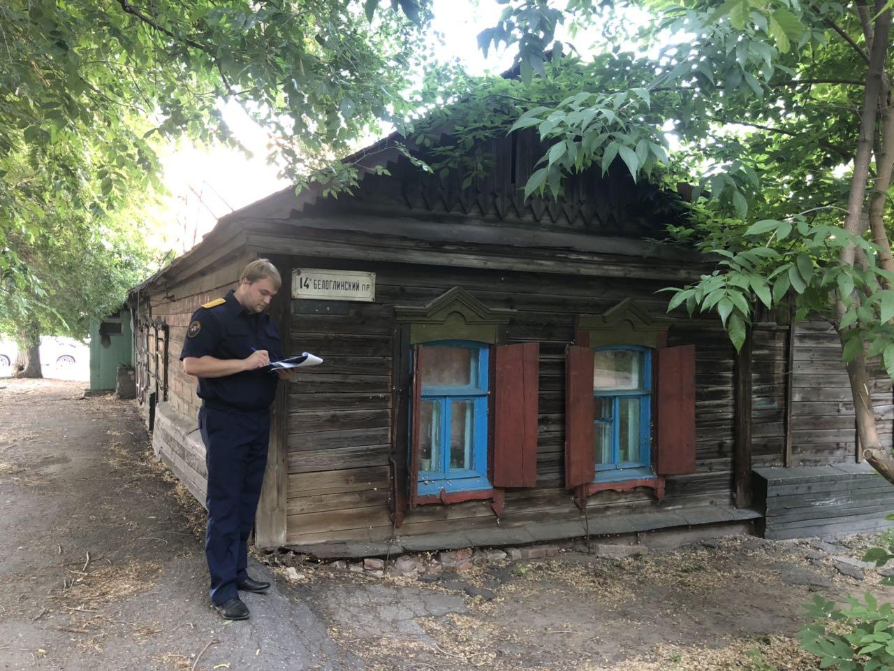 СК начал проверку жалобы жителей аварийных домов 100-летней постройки в Саратове