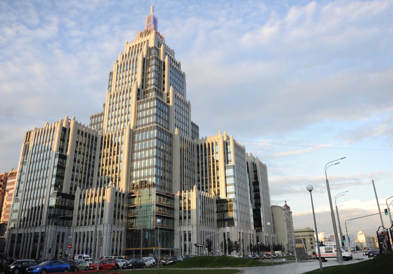 Сотрудники Сбербанка провели бесплатные лекции для участников проекта «Московское долголетие»