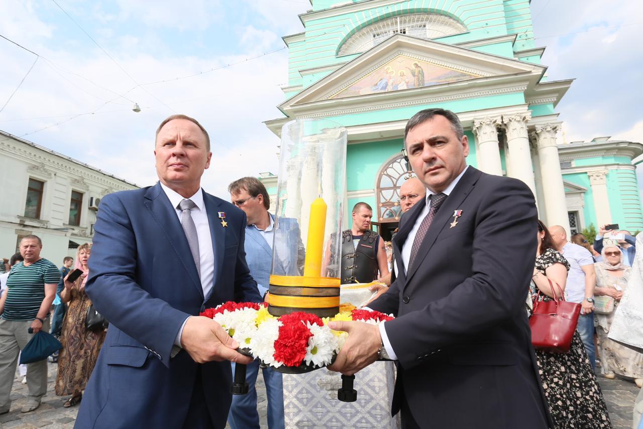 В Елоховском Богоявленском соборе Москвы дали старт мемориальной акции «Свеча Памяти»