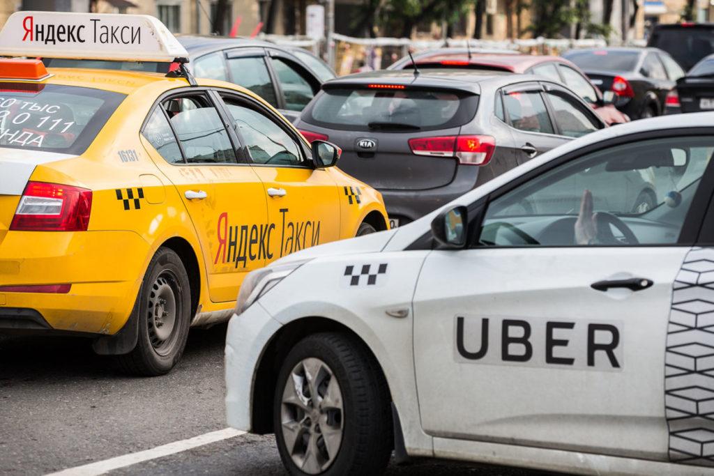 Пассажиров такси могут начать информировать о судимости водителей