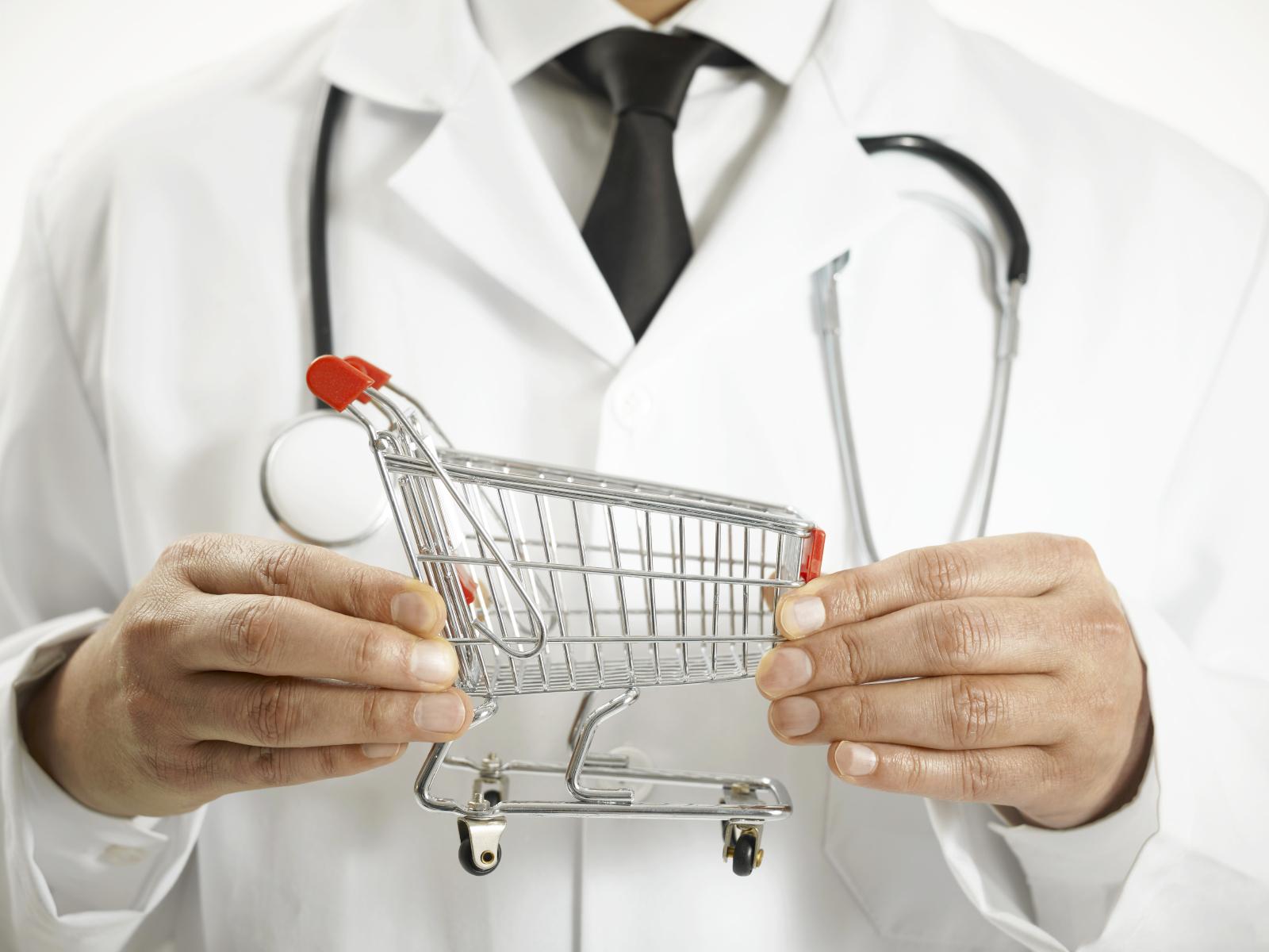 В Госдуме не одобрили идею присвоения врачам статуса ИП