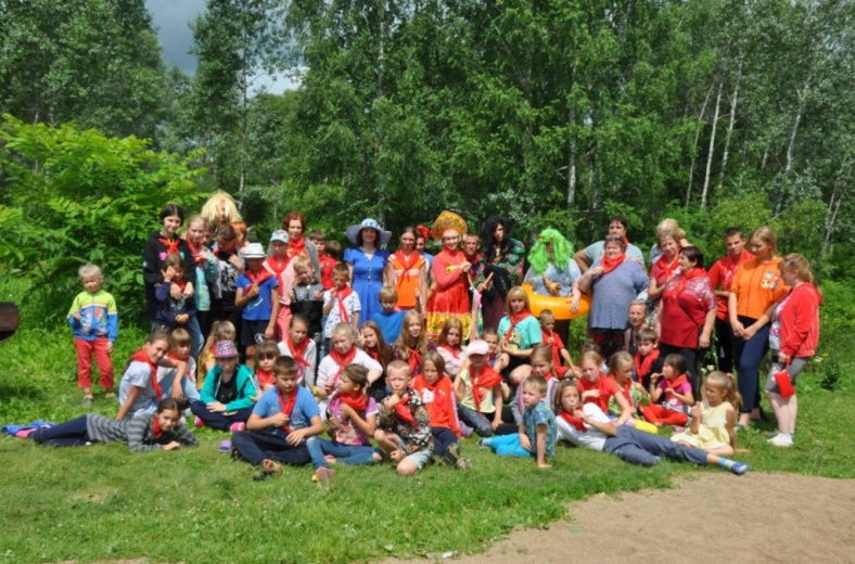 Юбилейный слёт замещающих семей провели в Алтайском крае