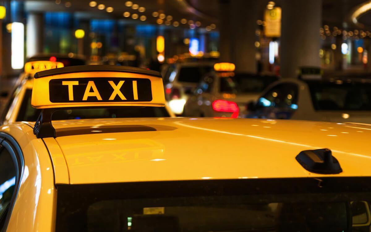 Каждый третий россиянин предпочел такси собственному автомобилю