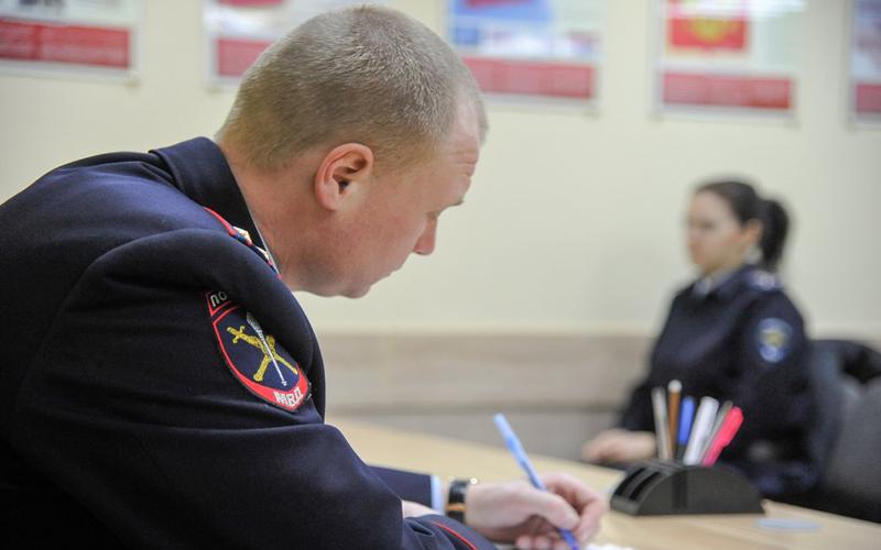 Госдума поддержала проект о повышении предельного возраста службы для полицейских
