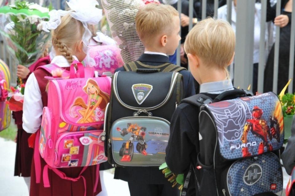 «Детский мир» передал пострадавшим от паводка детям Иркутска одежду и канцтовары