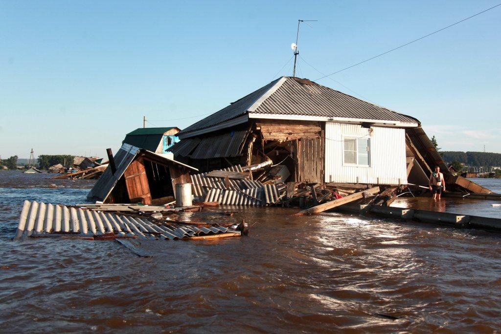 Пострадавшие от паводков и пожаров на востоке страны почти полностью получили выплаты
