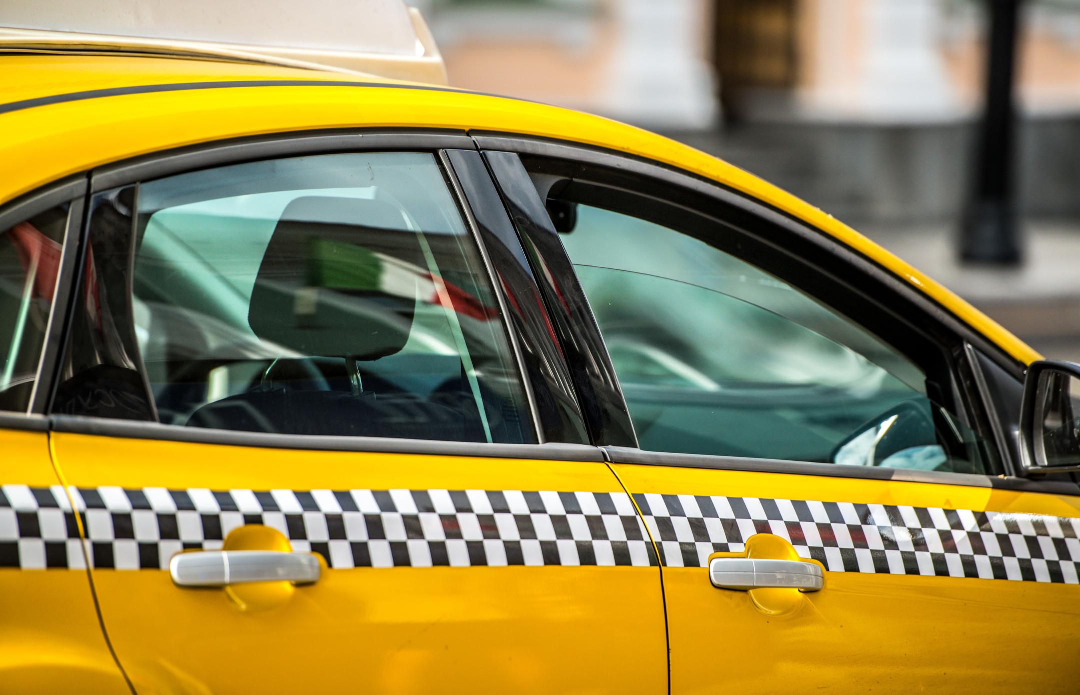 Внедряемые изменения в работе столичного такси улучшат безопасность пассажиров — Цветков