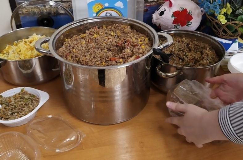В Мурманске начали давать бесплатные обеды для людей в трудной жизненной ситуации