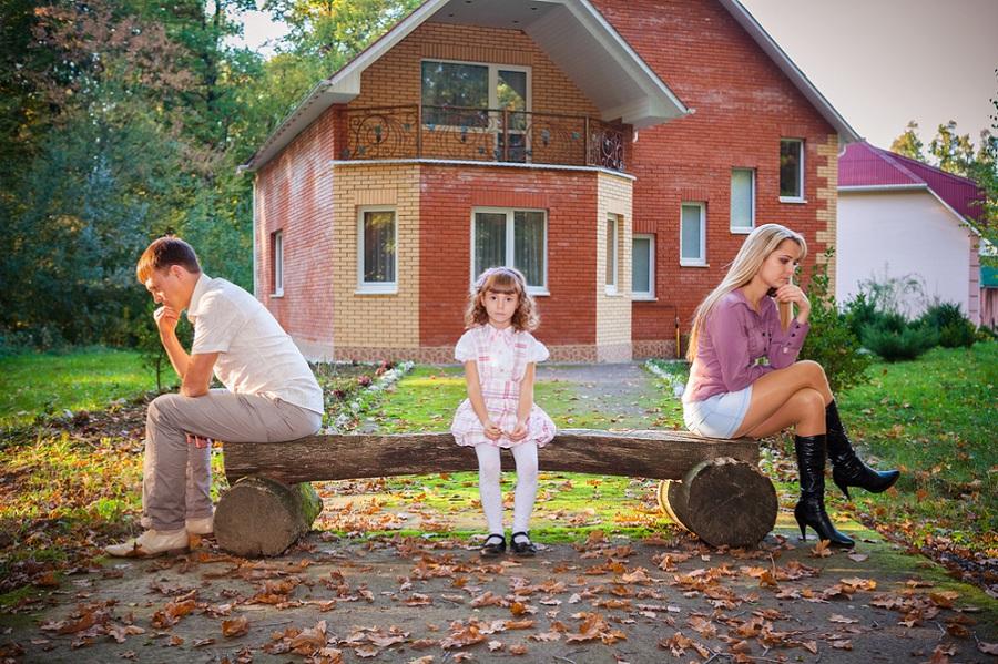 Разведённых родителей могут начать привлекать к обеспечению детей жильём