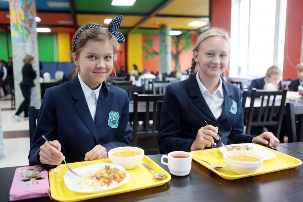 Идея замены импортных продуктов в школьном питании на российские нашла поддержку в столице