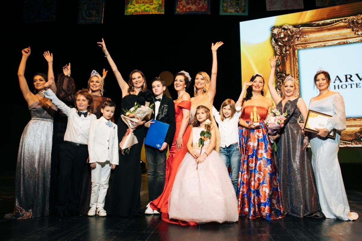 Супер-мамы России 2019 года были названы на церемонии в «Барвиха Luxury Village»