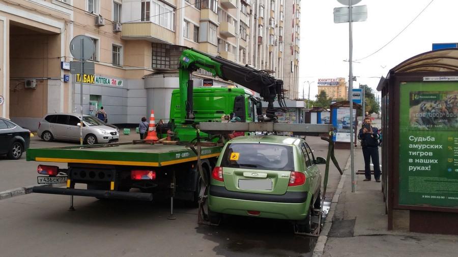 Запретить эвакуацию автомобилей инвалидов предложили в Госдуме