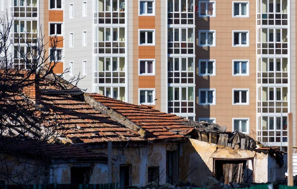В РФ приняли закон о новых механизмах переселения из аварийного жилья