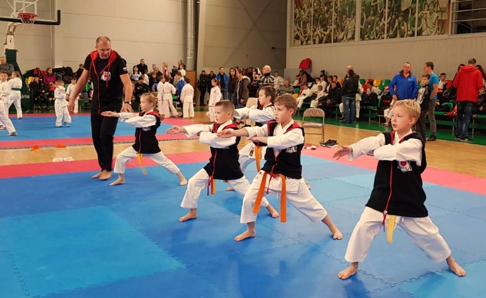 Юные каратисты успешно представили Москву на турнире «Путь тигра»