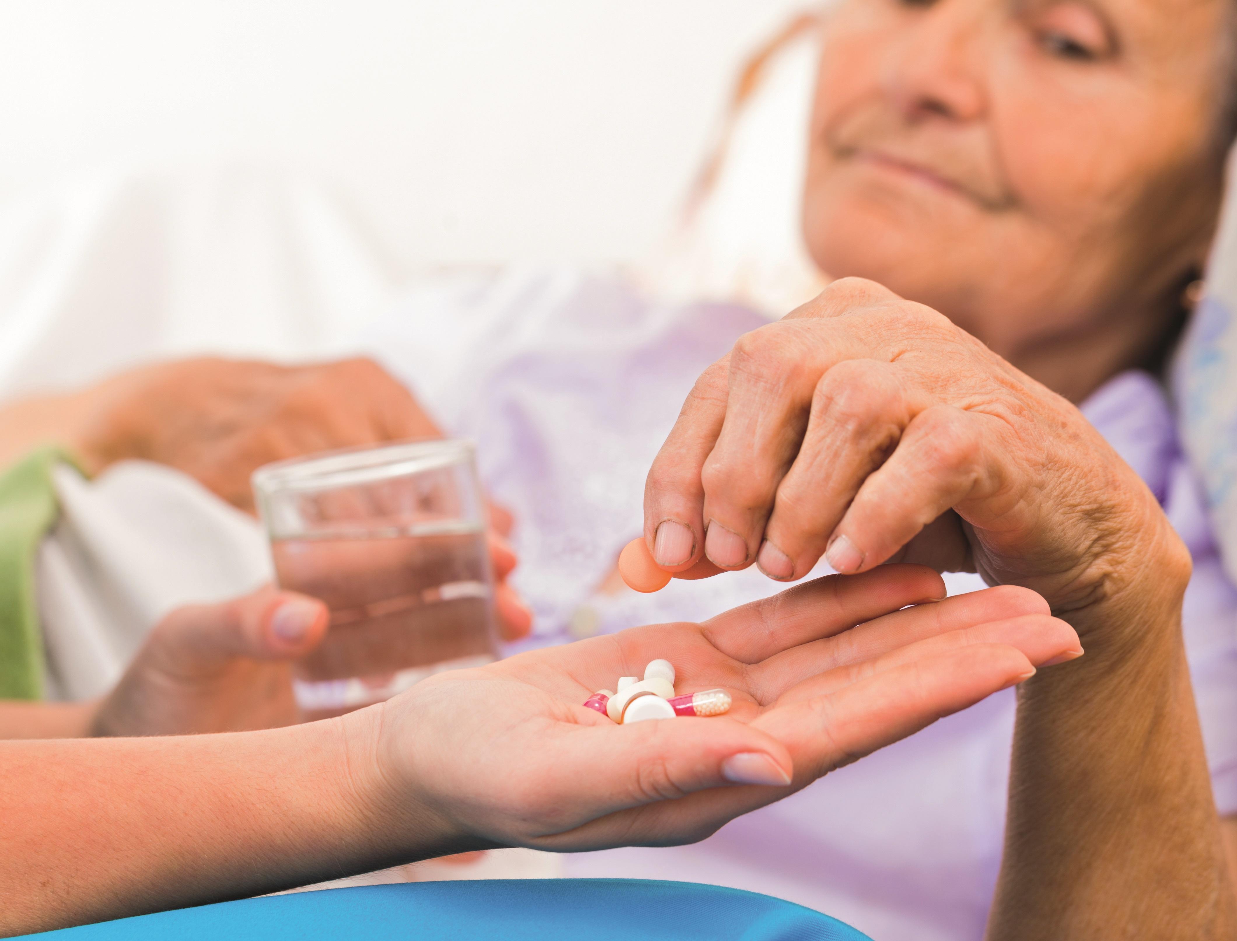 «ЕР» призвала решить проблему отсутствия лекарств для тяжелобольных в аптеках
