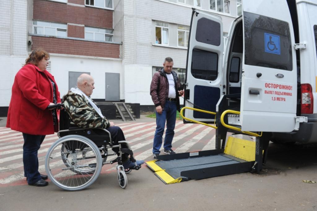 Парк социального такси в Москве вырос за год почти вдвое
