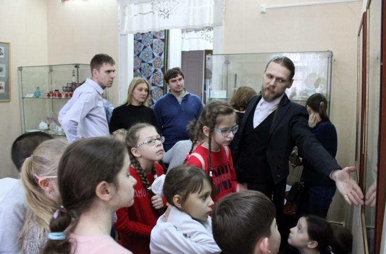 Фонд «Родительская лига» устроил в Саратове экскурсию в необычном формате