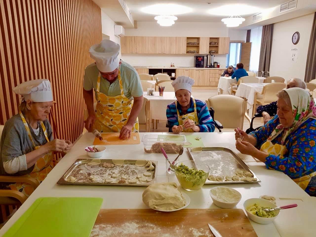 В Москве собрались создать сеть резиденций для пожилых