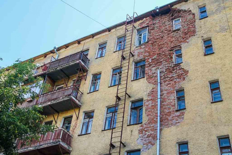 Минстрой поддержал предложение вносить в ЕГРН данные об аварийности жилья