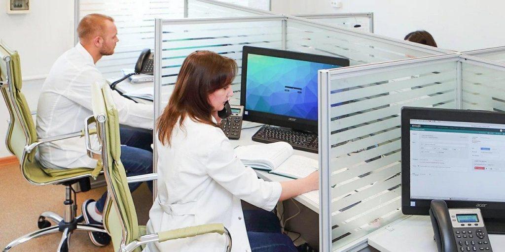Находящимся на карантине из-за коронавируса больничные доставят курьеры — Собянин