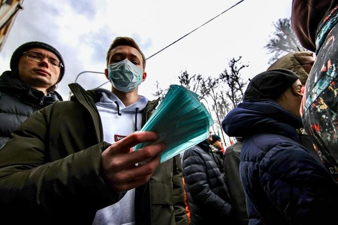 Жириновский предложил временно ввести смертную казнь за фейки о коронавирусе