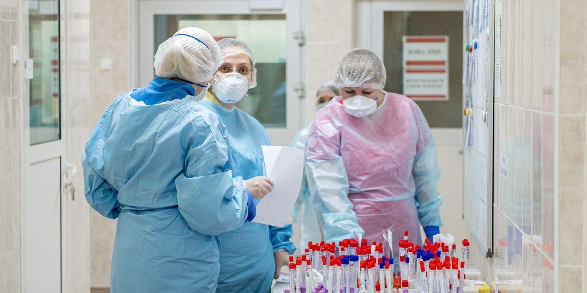 За сутки в России заразились коронавирусом 3 448 человек