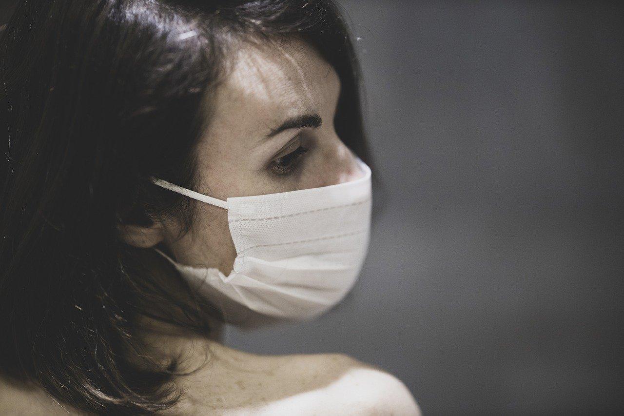 Следственный комитет возбудил уголовное дело против автора фейковой новости о продаже масок из гуманитарной помощи Китая