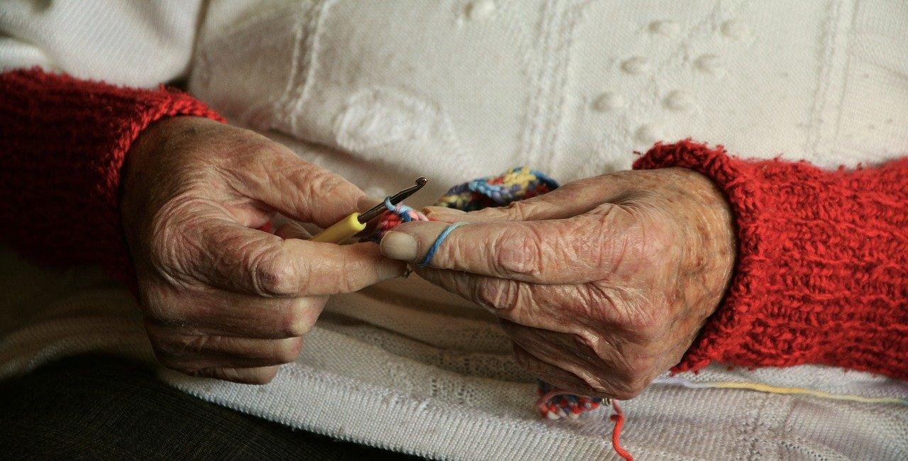 В МЧС выявили многочисленные нарушения в домах престарелых