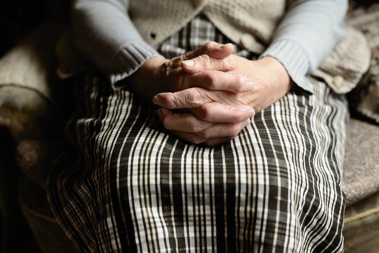 Работающим пенсионерам продлили больничные