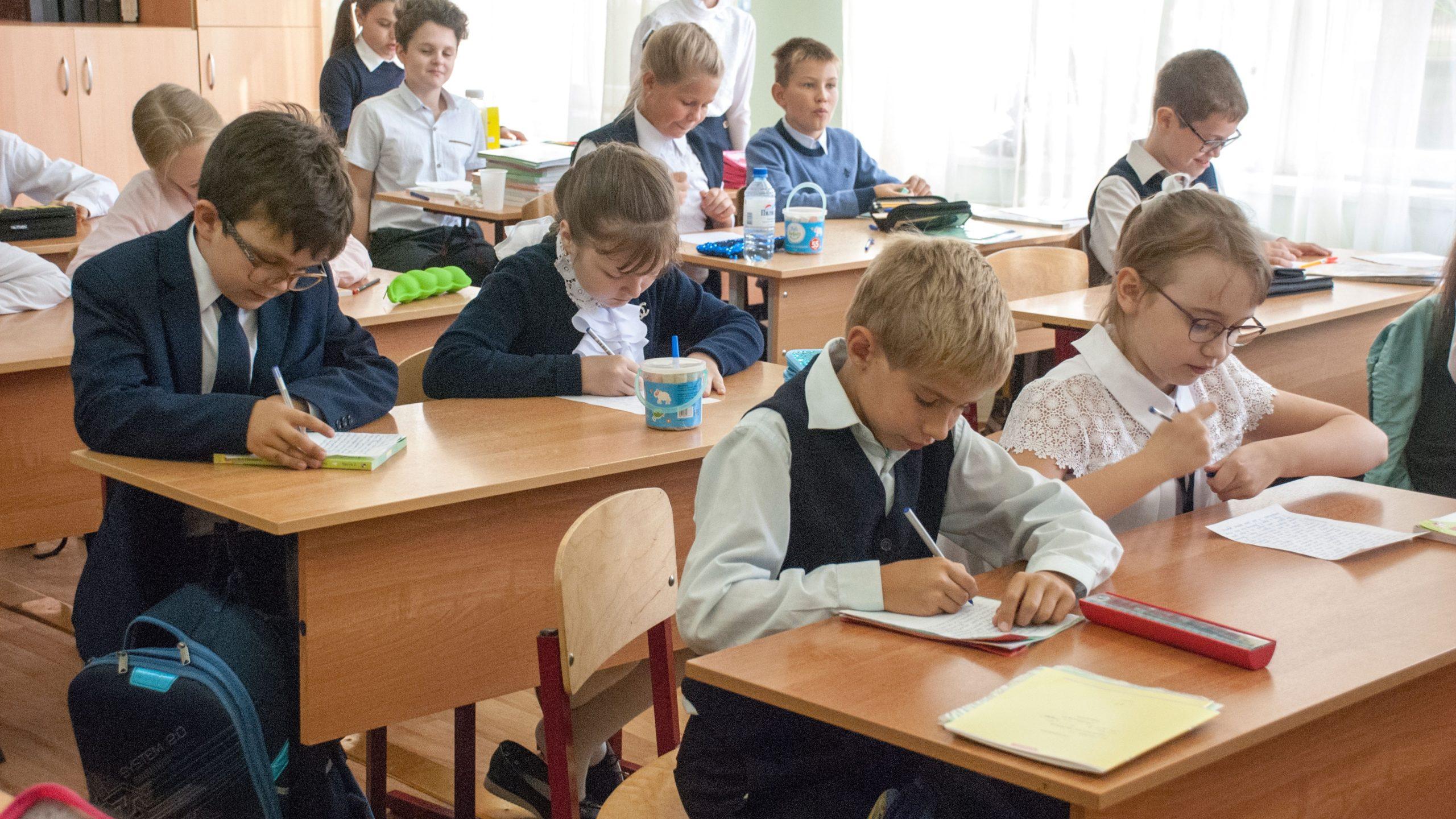 В Минпросвещения подтвердили начало учебного года в школах 1 сентября