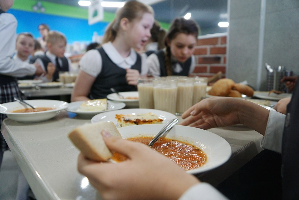 Роспотребнадзор подготовил рекомендации по организации горячего питания для школьников