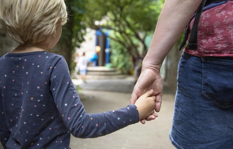 В Госдуме предложили ограничить изъятие детей из семьи исключительными случаями