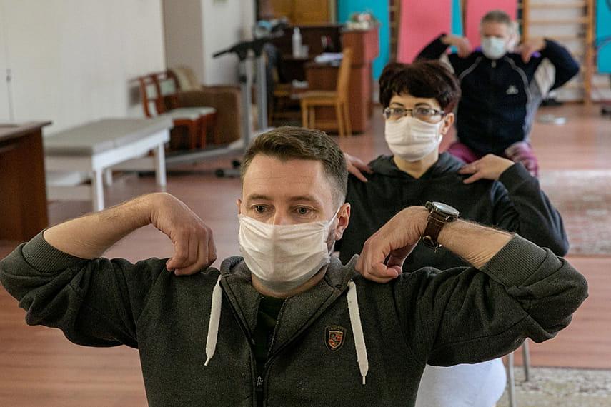 Минздрав утвердил рекомендации по реабилитации для переболевших коронавирусом