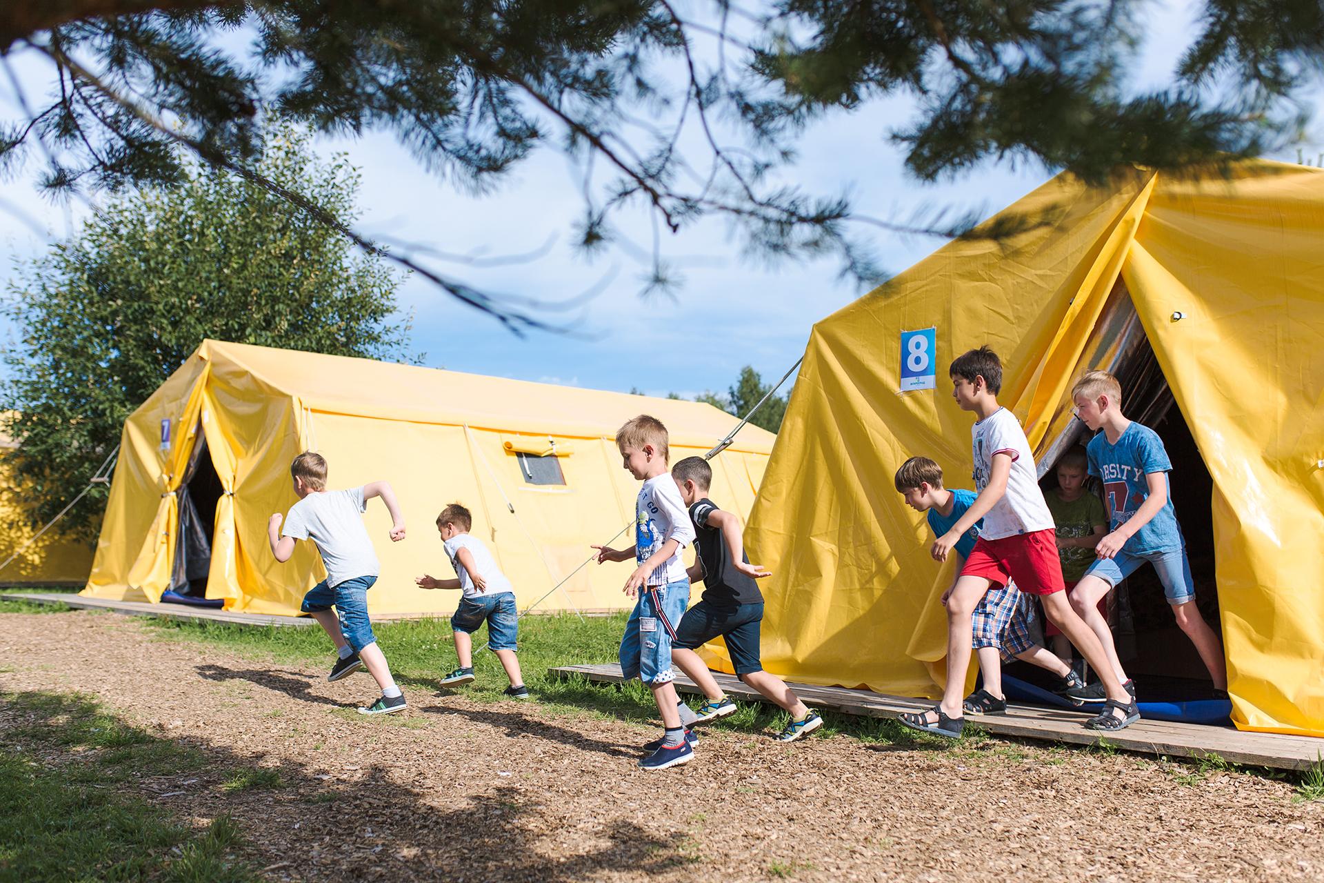 Почти 90% родителей не планируют отправлять детей в лагерь в этом году