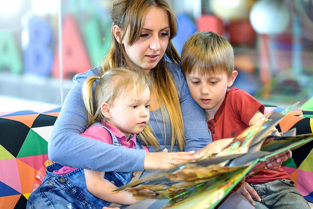 Правительство выделит ещё 18,5 млрд руб. на выплаты нуждающимся семьям с детьми