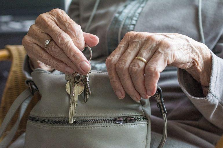 В России задумались о создании госфонда квартир одиноких пенсионеров