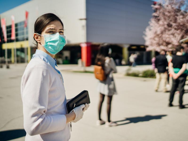 Академик РАН спрогнозировал окончание пандемии коронавируса не раньше лета 2021 года