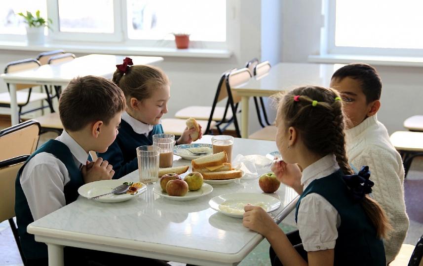 Школам предоставят субсидии на организацию горячего питания