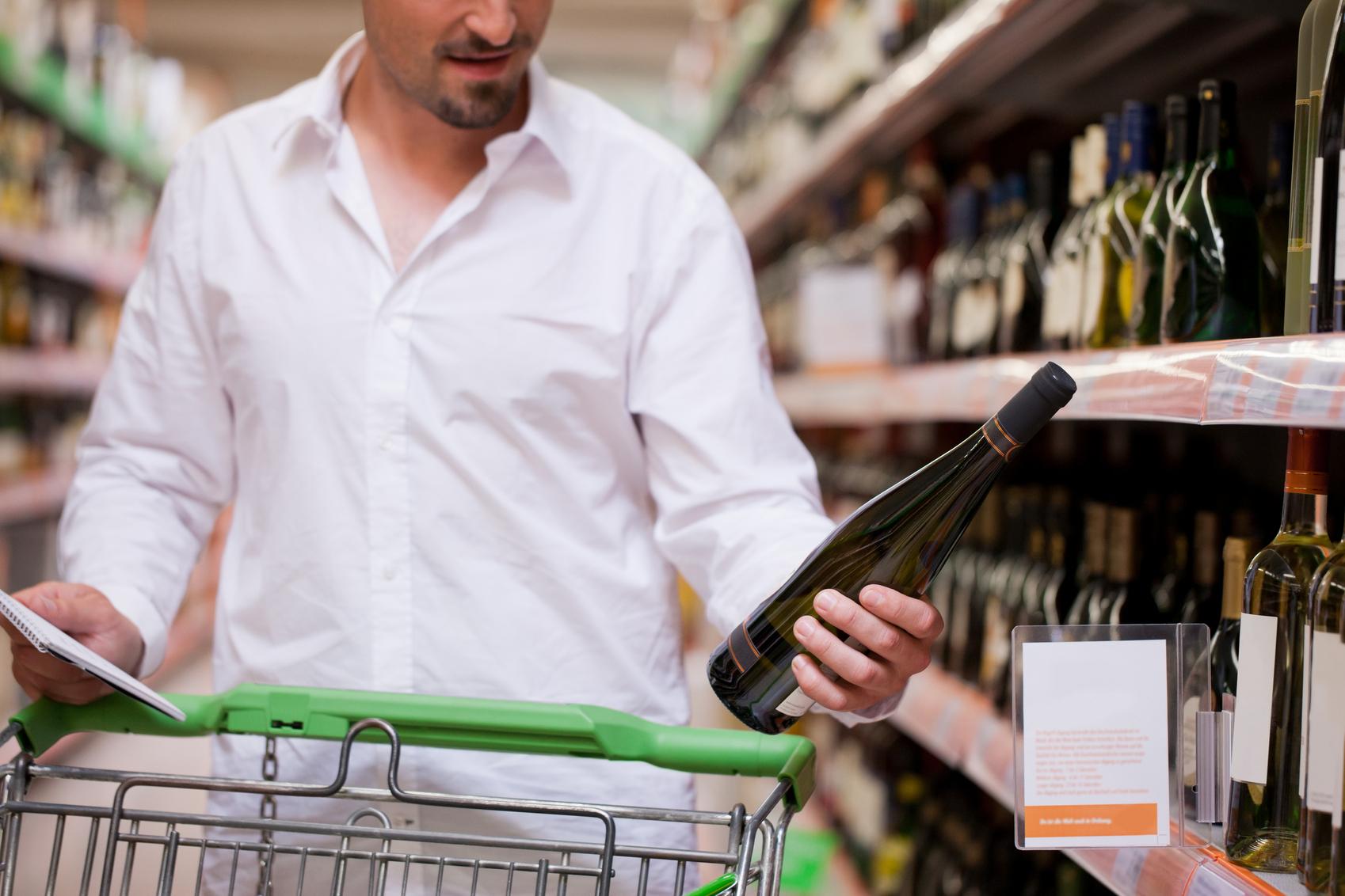 Россияне стали меньше покупать алкоголь